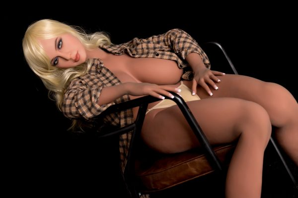 Leila — Lifelike Attractive Sex Doll